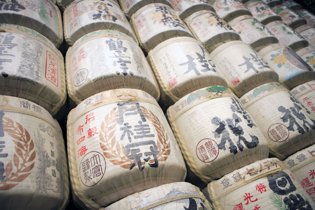 Sake barrels at a shrine | Norwegian Sake Association